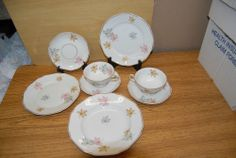 """Thomas """"R"""" Germany Maple Leaf Design w Gold Trim 8 pc Lot Cup Saucer Plate Bowl"""