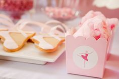 Cotton candy in small boxes - cute!
