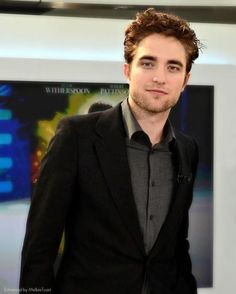 "Rob Pattinson on ""JT France 2"" promoting Water for Elephants in May 2011"