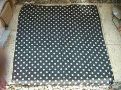 1 moderner Wandbehang ca. 1m x 1m Tischdecke Kopftuch Schal Punkte Neu Nr.3