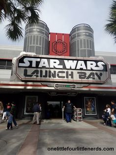Disney World has a great Star Wars The Force Awakens event going on now in Hollywood Studios, filled with fireworks, storm troopers and the all new Launch Bay! Basically I was in Star Wars heaven. …