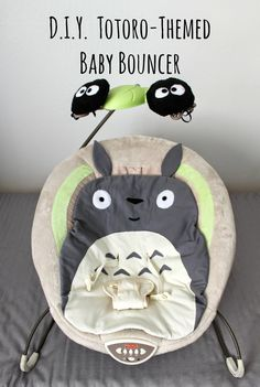 Cation Designs: The Geekiest Baby: Totoro-Themed Bouncer (In case Carl's best man ever reproduces…) Mais Chat Bus, Totoro Nursery, Diy Bebe, Baby Bouncer, My Neighbor Totoro, Baby Time, Future Baby, Just In Case, New Baby Products