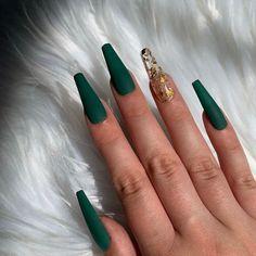 Dark Green Nails, Dark Nails, Green Nail Art, White Nails, Gold Acrylic Nails, Gold Nails, Emerald Nails, Green Nail Designs, Dark Nail Designs