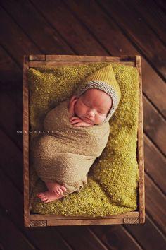 "Photography by Rachel Vanoven I look like a ""PEA' pod!~ so cute! Newborn Posing, Newborn Session, Newborn Photos, Boy Newborn, Little Babies, Cute Babies, Baby Kids, Cute Photography, Newborn Photography"