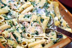 16 pasta recipes -Grilled Chicken Rigatoni Florentine shown. I pinned for the red pepper cream sauce pasta Pastas Recipes, Chicken Recipes, Cooking Recipes, Cooking Tips, Pasta Dishes, Food Dishes, Main Dishes, Pasta Food, Gourmet
