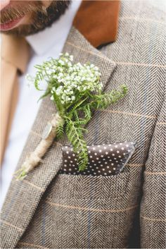 Adorable Simple Baby Breath Bouquet and Boutonniere Inspirations https://bridalore.com/2018/01/01/simple-baby-breath-bouquet-and-boutonniere-inspirations/