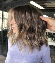 Bleached Hair, Aesthetic Girl, Cute Hairstyles, Hair Goals, Hair Inspiration, Short Hair Styles, Hair Cuts, Hair Color, Hair Beauty