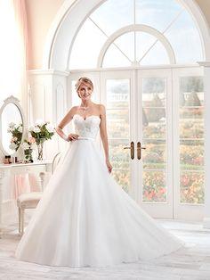 Toutes les robes de mariées, robes de mariage Pronuptia, Point Mariage, Mademoiselle Amour. A découvrir sur le site ewedding.shop