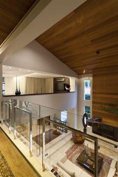 A designer de interiores Andreza de Lucca concebeu o interior completo desta casa localizada em Belo Horizonte, Minas Gerais. Interior designer Andreza de Lucca has designed the complete interior o…