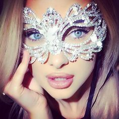 Find images and videos about diamond, mask and masquerade on We Heart It - the app to get lost in what you love. Im So Fancy, Masquerade Party, Masquerade Masks, Glitz And Glam, Latest Fashion Clothes, Beautiful Eyes, Girly Things, Hair Makeup, Makeup Tips
