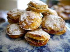 Wild Mince Pies - The Londoner Key Lime Pie, Xmas Food, Christmas Baking, Christmas Recipes, Christmas Cookies, Delicious Desserts, Yummy Food, Fun Food, Homemade Pastries