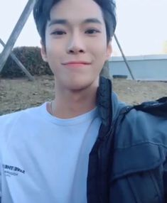 ) Doyoung and Joy (noun.) a fuckin dumbass best friend combination ever exist in this world. Yang Yang, Capitol Records, Kim Dong Young, Nct Doyoung, Come Undone, Jung Woo, Fandoms, Ji Sung, Entertainment