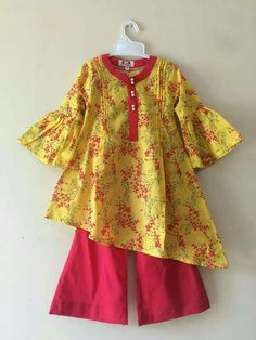 Boy George Fashion And Makeup Book Product Girls Frock Design, Kids Frocks Design, Baby Frocks Designs, Baby Dress Design, Girls Dresses Sewing, Stylish Dresses For Girls, Frocks For Girls, Dresses Kids Girl, Baby Dresses