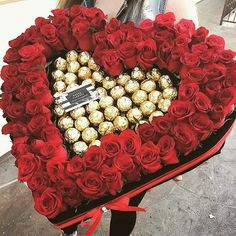 Makeuphall is dedicated to beauty, fashion and makeup « Beatiful Gift Luxury Flowers, Diy Flowers, Flower Decorations, Valentines Flowers, Valentine Gifts, Gauri Decoration, Pinterest Valentines, Chocolate Flowers Bouquet, Love Gifts For Her