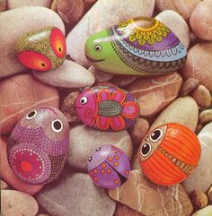 Critter designs on rocks.