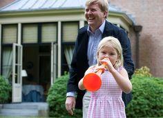 Wassenaar, 5 juli 2010: De Prins van Oranje en Prinses Catharina-Amalia tijdens de fotosessie op De Eikenhorst, Landgoed de Horsten © RVD