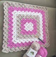 Crochet Square Blanket – Pattern free