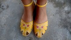 Leather Sandals Handmade  Yellow Leather Shoes Vintage by Coisas4u