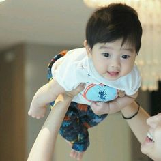 Cute Baby Boy, Cute Little Baby, Little Babies, Cute Kids, Baby Kids, Cute Asian Babies, Korean Babies, Asian Kids, Japanese Babies