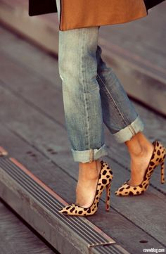 Killer leopard print heels and some boyfriend jeans.