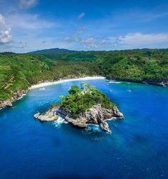 """Crystal Bay Beach, Nusa Penida Bali"""