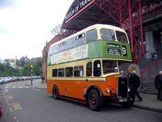 vintage-bus-ride-glasgow