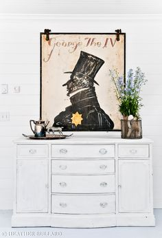 I adore the artwork. Does anyone know who the artist is?   {image found on http://heatherbullard.typepad.com/}