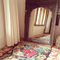 One of the irresistible charms of the Boucherouite carpets is that they are perfect for smaller spaces and instantly add a little color!