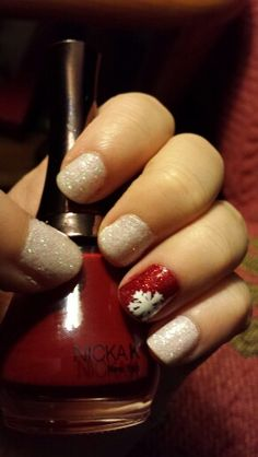 {Christmas Nails} loose glitter attempt