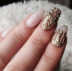les meilleurs, ongles décorés deco ongle gel beige avec decoration en or Gemstone Rings, Silver Rings, Photos, Nail Art, Nails, Beige, Color, Decoration, Jewelry