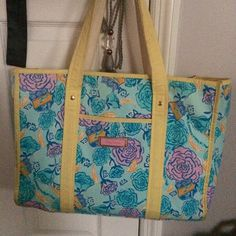 Lilly Pulitzer tote bag Alpha xi delta sorority, print discontinued, practically new. Lilly Pulitzer Bags Totes