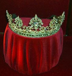Emerald and diamond tiara of the Duchess of Devonshire