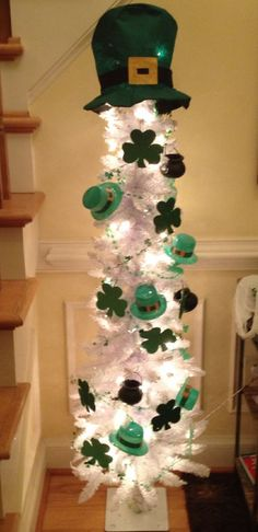 st patrick's day decorations | St. Patricks day tree with decorations for the dollar store.