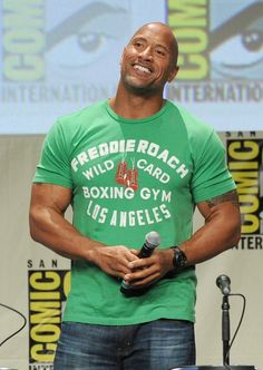 Dwayne Johnson Photos - Actor Dwayne Johnson attends the Paramount Studios presentation during Comic-Con International 2014 at the San Diego Convention Center on July 2014 in San Diego, California. - Paramount Studios Presentation at Comic-Con The Rock Dwayne Johnson, Rock Johnson, Dwayne The Rock, Aaron Rodgers, Raining Men, Hollywood, To My Future Husband, American Actors, Cute Guys