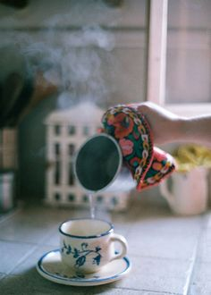 Untitled by lorena*arance Grilli and Summerfield my favorite tea drinkers :) Coffee Break, Coffee Time, Morning Coffee, Tea Time, Chocolate Cafe, Mousse Au Chocolat Torte, Tea And Books, My Cup Of Tea, Slow Food