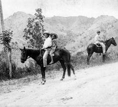 Central road Stretch Aibonito, PR in 1900'