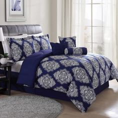 Add bold, dramatic style to your bedroom decor by using this Lifestyles Barba White and Navy King Comforter Set. Luxury Comforter Sets, Best Bedding Sets, Queen Comforter Sets, Classic Bedding, Modern Bedding, Teen Girl Bedrooms, Cozy Bed, Comforters, Bedroom Decor