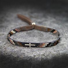 Bransoletka etniczna Derby / Djenka / Biżuteria / Bransolety Loom Bracelet Patterns, Bead Loom Bracelets, Bead Loom Patterns, Bracelet Crafts, Cute Bracelets, Bracelets For Men, Handmade Bracelets, Bead Jewellery, Beaded Jewelry