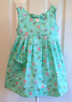 Váy bé