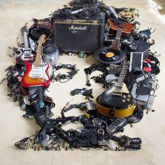 Mister C – Recréer des portraits célèbres en assemblant des centaines d'objets