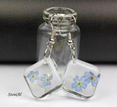 Forgetmenot earrings in resin
