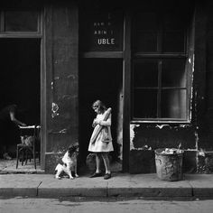 https://flic.kr/p/QvsqqE | Tore Johnson Girl with Bagutte, Paris 1940