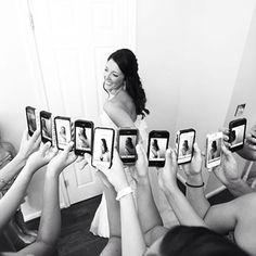Quando todas madrinhas querem uma foto da noiva! #inspiracao - Reviver é pedir Bis. #estudiobis #bispic #igdaily #instago #instapic #instacool #instagood #instamood #igoftheday #instadaily #videojournalism #sony #videomaker #editing #groom #imagensinspiradoras #filmagem #wedding #bride #nex #love #cute #nice #cool #vestido #noiva #goiania