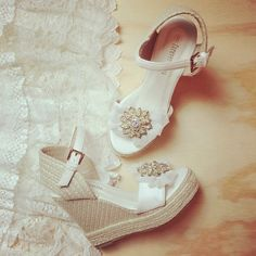 Barefoot Sandals Bridal Shoes And Accessories For The Bohemian Bride