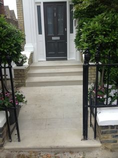 Smooth sandstone paving with bullnose steps - Modern Front Path, Front Door Steps, Victorian Front Doors, Victorian Porch, Tile Steps, Concrete Steps, Outdoor Steps, Patio Steps, Porches