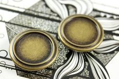 Embossed Border Metal Buttons , Antique Brass Color , Shank , 1.14 inch , 10 pcs by Lyanwood, $6.00