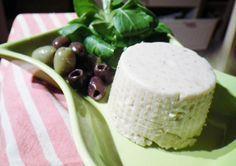 Momo in cucina: FORMAGGIO VEGANO CON YOGURT DI SOIA ( FATTO IN CASA ) Vegan Recipes, Vegan Food, Pudding, Cheese, Homemade, Desserts, Blog, Veganism, Dolce