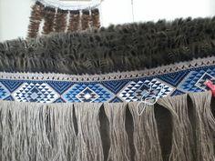 Robin Weaves Korowai: 2017 Flax Weaving, Weaving Art, Hand Weaving, Raven Tail, Tablet Weaving Patterns, Maori Patterns, Maori Designs, Two Ladies, Maori Art