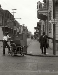 Post with 4263 views. Organ Grinder in New Orleans, Louisiana - New Orleans Voodoo, New Orleans Louisiana, Holland, New Orleans History, Louisiana History, New Orleans French Quarter, Crescent City, Back In The Day, Old Photos