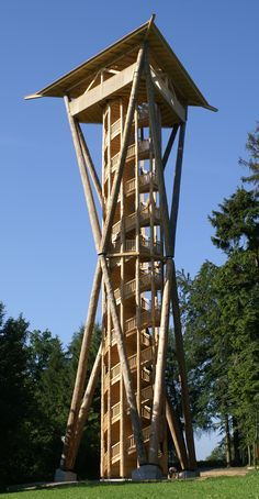 Aussichtsturm aus Holz bei Wil im Kanton St. Timber Architecture, Landscape Architecture, Architecture Design, Lookout Tower, Timber Structure, Tower Building, Tower House, Wooden Stairs, Water Tower